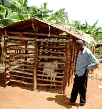 Secure but spacious house for a village stud male